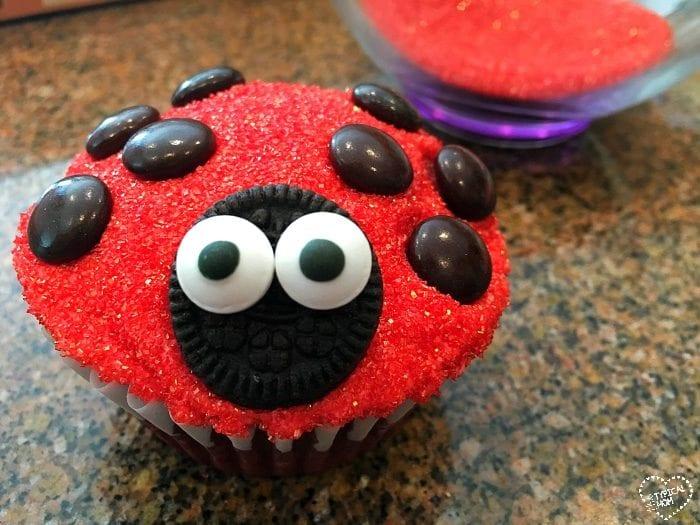 adybug cupcakes