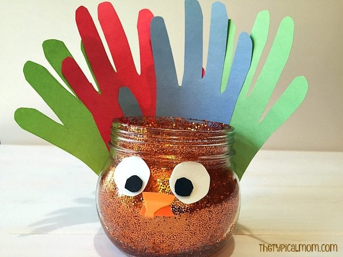 Easy Thanksgiving turkey craft for kids.