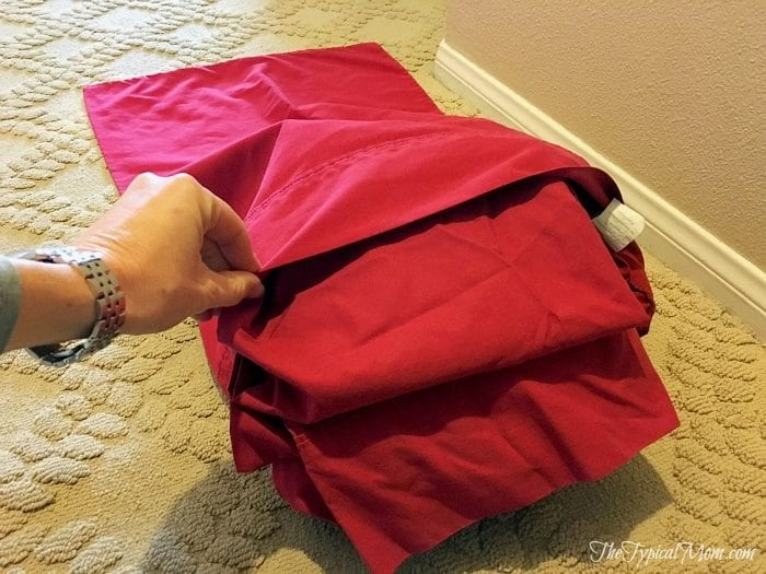 How to organize your linen closet using pillow cases!!!
