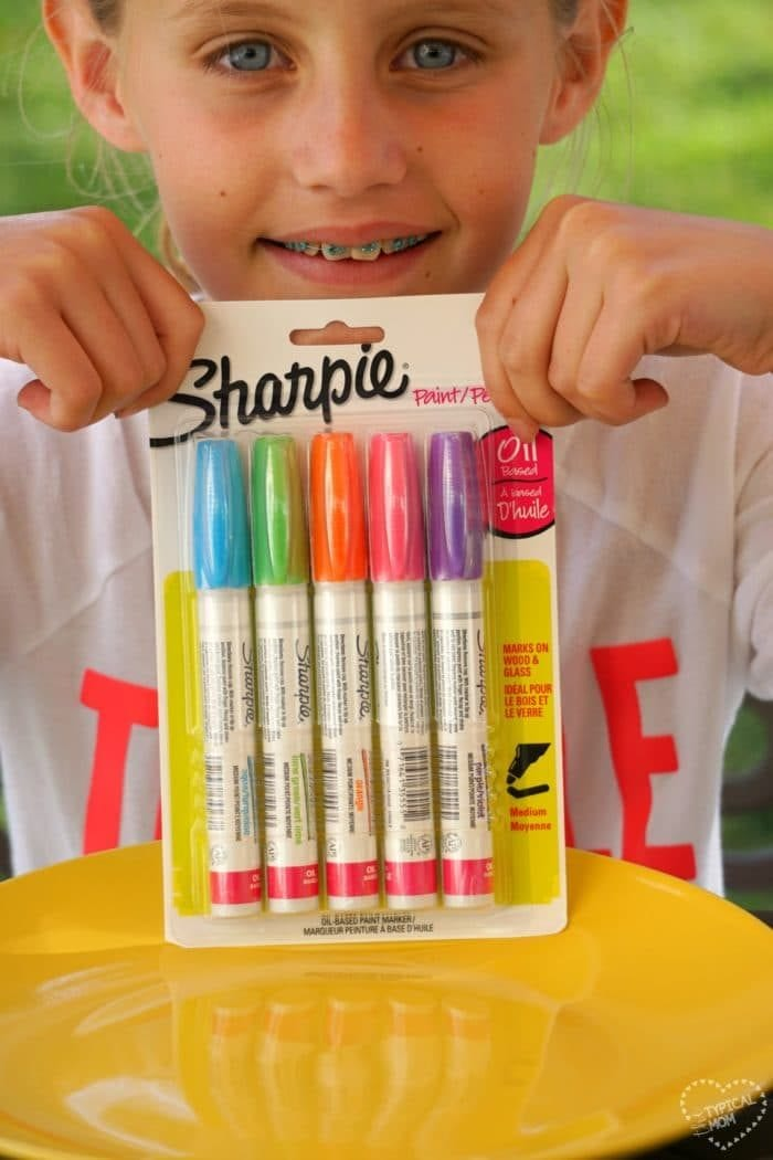 2 Sharpie crafts using their new paint markers. Here's how to easily personalize gifts!