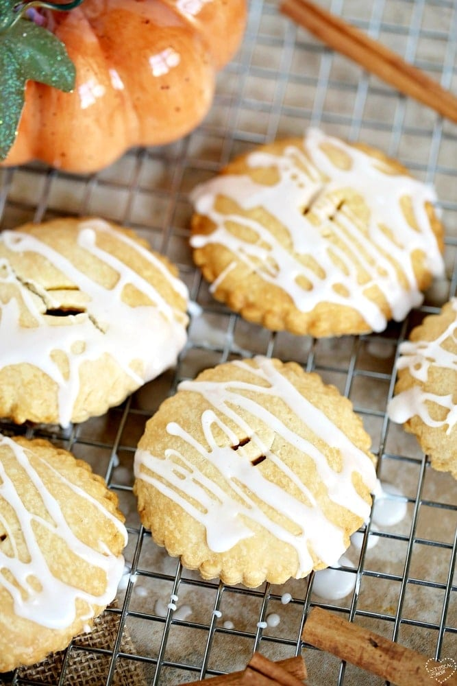 pumpkin pie hand pies
