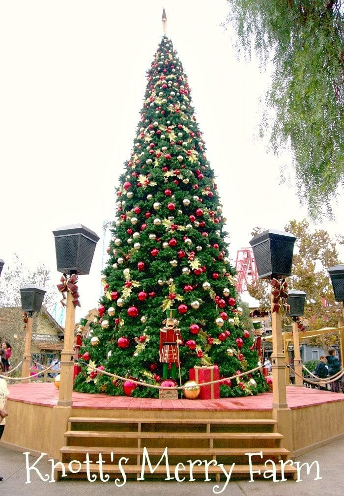 knotts berry farm at christmas