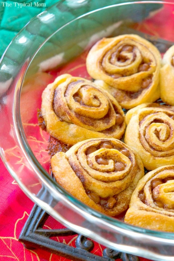 These quick cinnamon rolls are amazing! Just 30 minutes from start to ...
