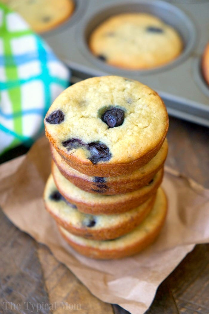easy blueberry banana muffins
