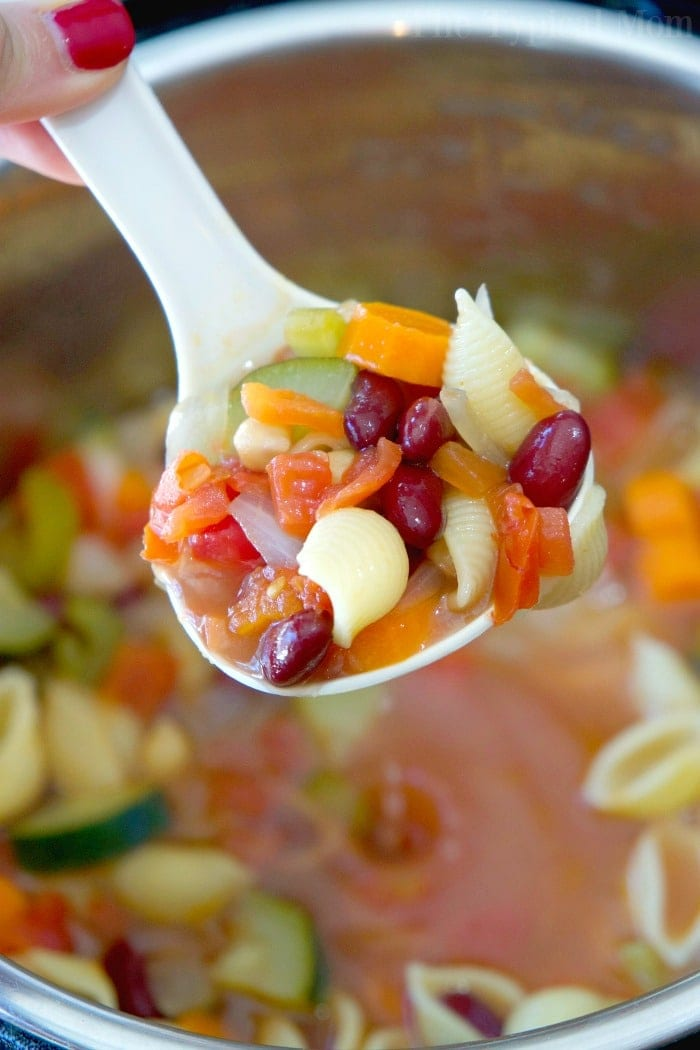 This Easy Instant Pot Minestrone Soup Recipe Is Full Of Flavor Healthy And Vegetarian Too My Kids Raved That Was Their Favorite Pressure Cooker