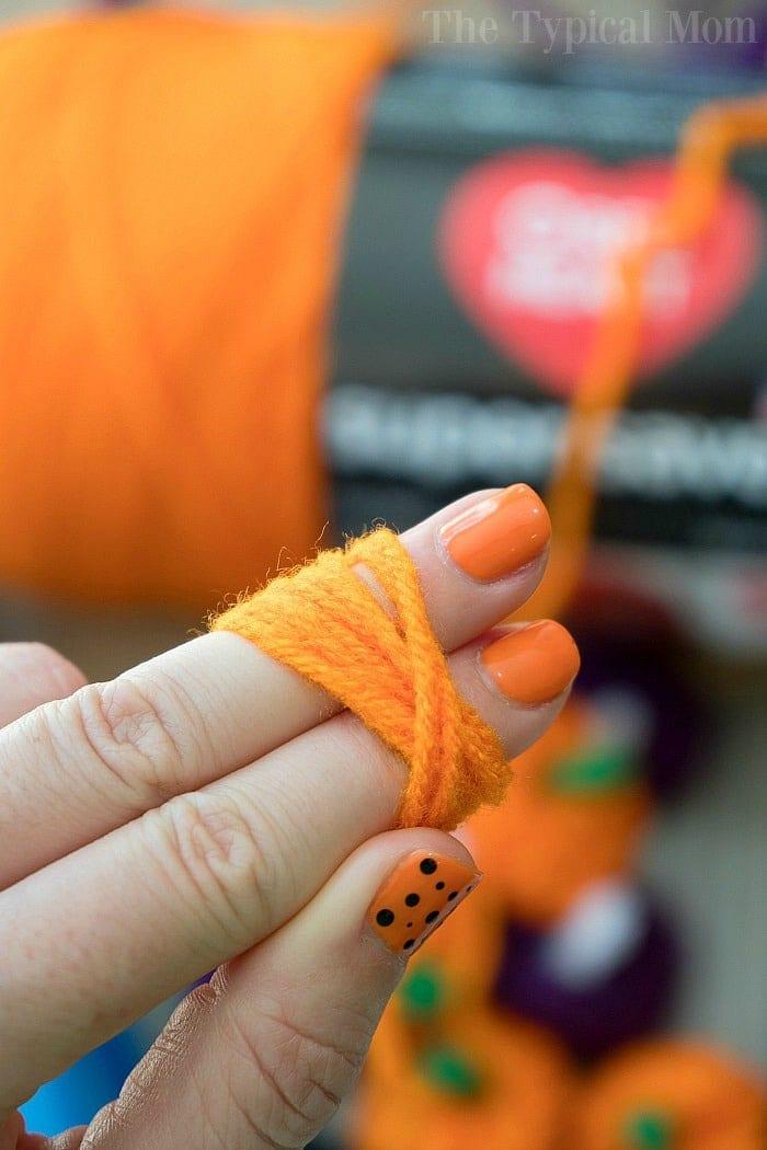 yarn pumpkin craft 3