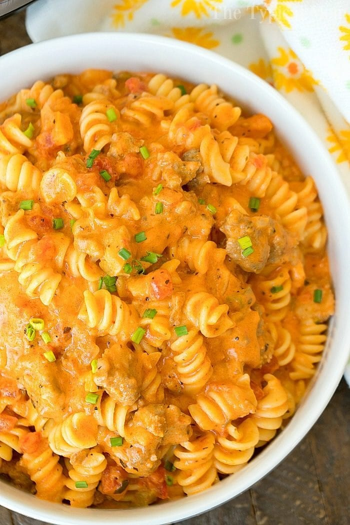 Cheesy Instant Pot Goulash