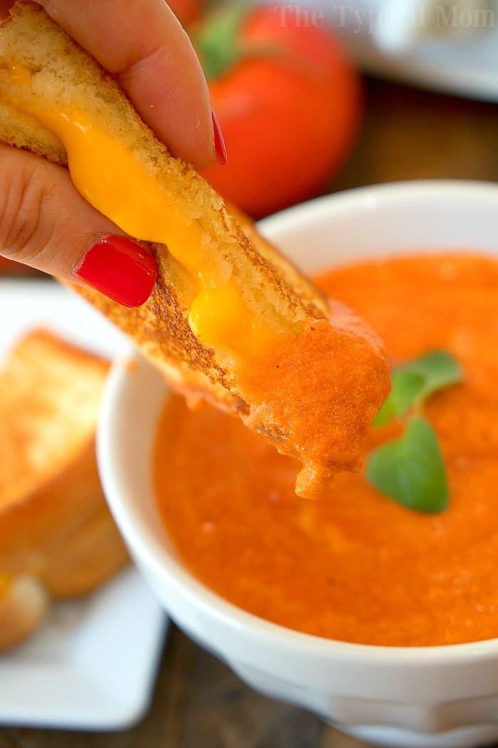 Easy Creamy Tomato Soup 4