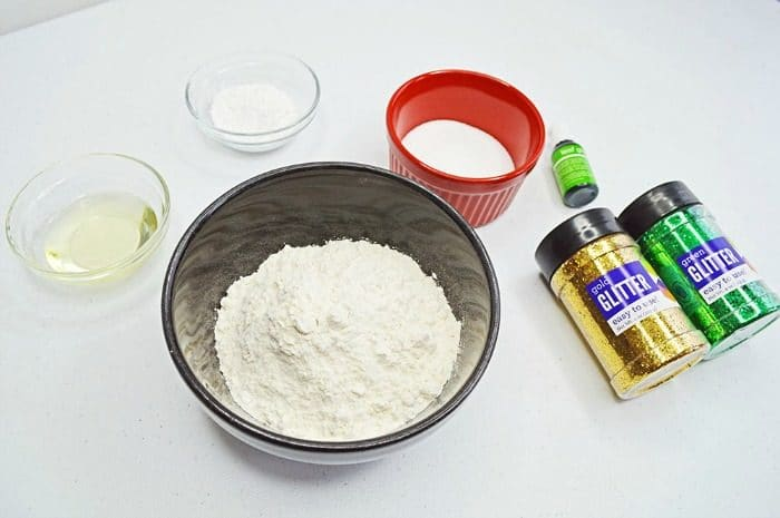 Ingredients to Make Playdough 3