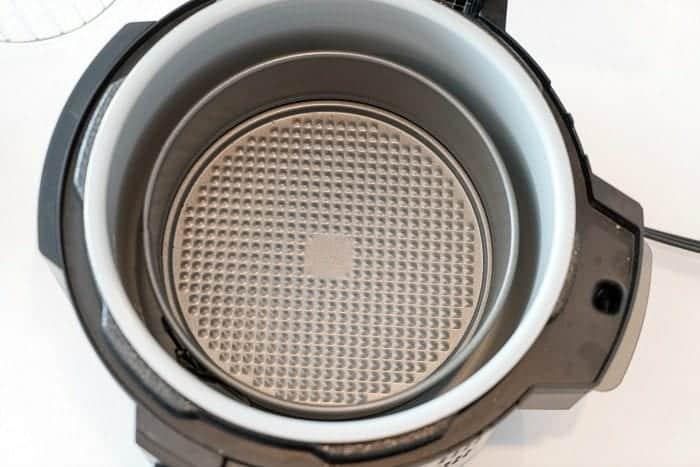 pressure cooker cake pan
