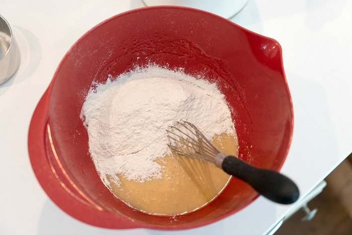 measuring flour by volume