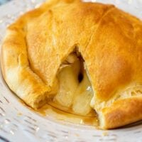 air fryer baked brie 2