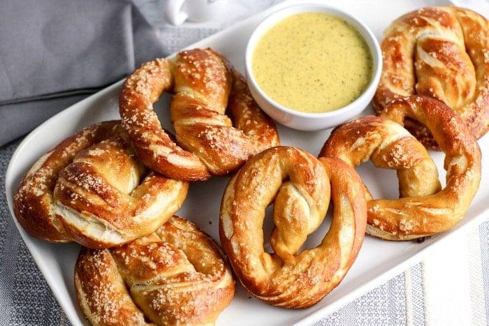 easy homemade soft pretzels