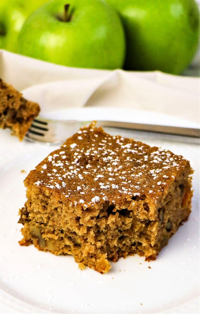 Applesauce Spice Cake