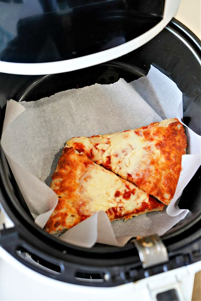reheating pizza in air fryer