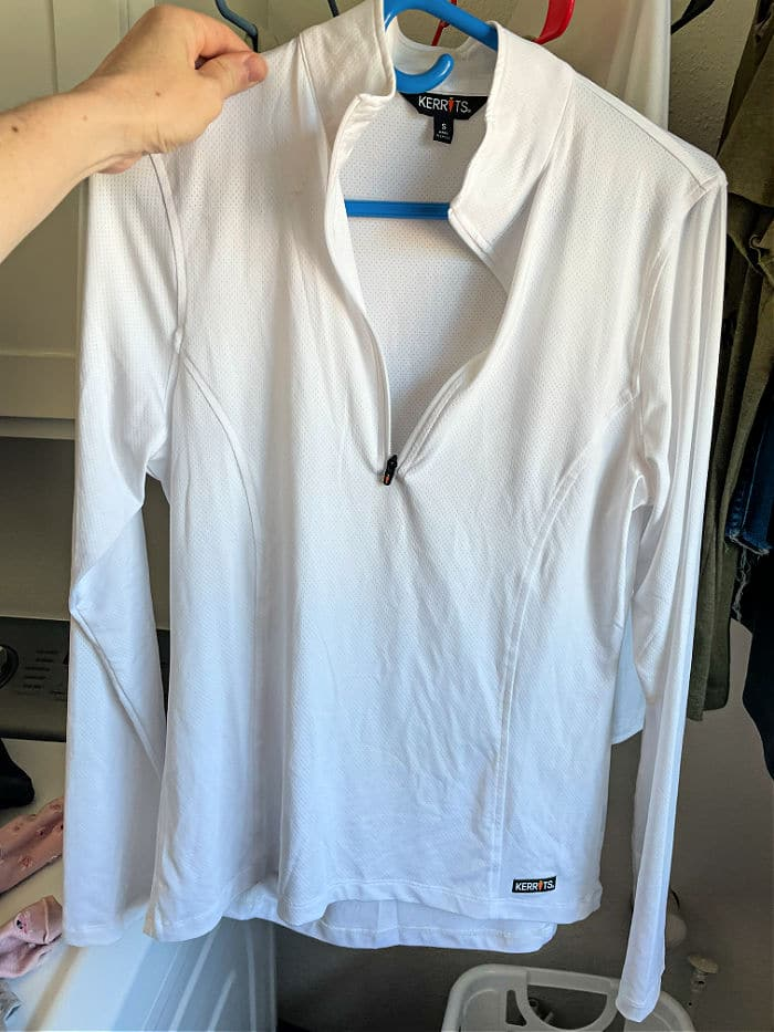how to clean white shirts